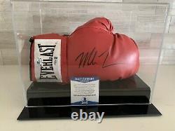 Mike Tyson Signé Rouge Everlast Gant De Boxe Avec Vitrine Beckett Coa Q02425