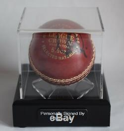 Moeen Ali Signer Autographe Présentoir Ballon De Cricket Sport Australie Aftal Coa