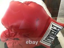 Muhammad Ali A Signé Gant De Gant Avec Étui D'affichage Très Propre. Fan Doit Avoir