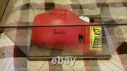 Muhammed Ali Signé Gant De Boxe Avec Coa Avec Vitrine