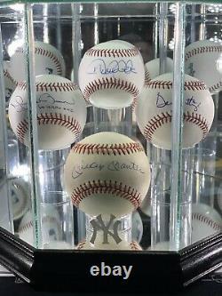 New York Yankees Greats Signé Auto Baseballs In Display Case Coa Jsa Hof