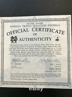 Notre Dame Des Gagnants Heisman Autographed Football Mint Avec Coa Et Vitrine