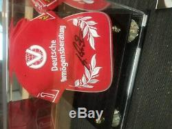 Nouveau Chapeau Signé Michael Schumacher Autographié Dans Une Vitrine Avec Coa
