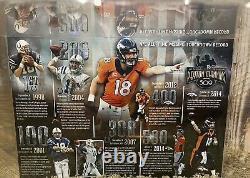 Peyton Manning A Signé Le Duke Football Upperdeck Coa Avec Cas D'affichage