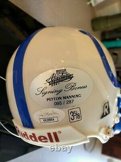 Peyton Manning A Signé Mini Casque Avec Vitrine Jsa Coa Colts