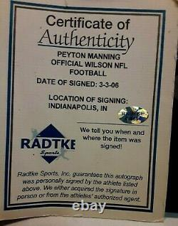 Peyton Manning Mvp A Signé Le Football Officiel De La NFL Avec Coa Comprend Vitrine