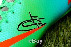 Présentoir De Chaussure De Football Signé Paul Pogba - Souvenirs Coa De Man Utd Autograph