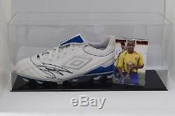 Roberto Carlos Signé Autograph Football Boot Présentoir Brésil Aftal Coa