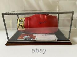 Signé Muhammad Ali Signé Boxe Gants De Plaques Coa Dans Le Boîtier D'affichage