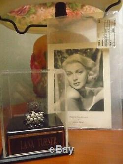 Star De Cinéma Lana Turner Anneau! Bijoux Cas D'affichage / Plaque Signalétique / Aoc / Parfum / Perle