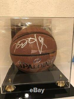 Stephen Curry & Kevin Durant Autographes De Basket-ball Avec De Nouveaux Cas Et Coa Affichage