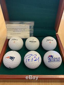 Tom Brady Signé Golf Ball Comprend Coa Et Affichage De Cas, Patriots Logo Balles De Golf