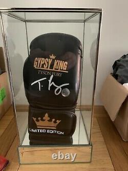 Tyson Fury Signed Ltd Edit Glove In Glass Display Cas 1 Uniquement Coa £240 Livré