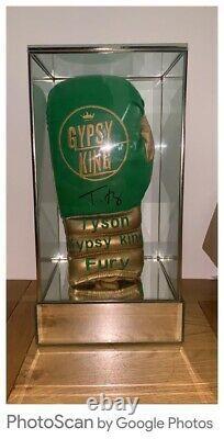 Tyson Fury Signed Ltd Edit Glove In Superb Glass Display Cas Coa £240 Livré