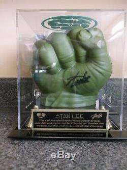 Vitrine Personnalisée Par Stan Lee Avec Incroyable Poignée Gant Hulk Avec Coa