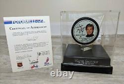 Wayne Gretzky Signé Fotoball Portrait Hockey Puck /1851 Avec Coa & Display Case