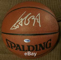 Yao Ming Autographié Nba Basketball Spaulding Avec Affichage Acrylique Cas Et L'aco